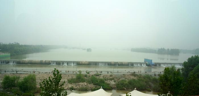 往臨潼時,經過赫赫有名的灞上!(激動) 這裡好霧……