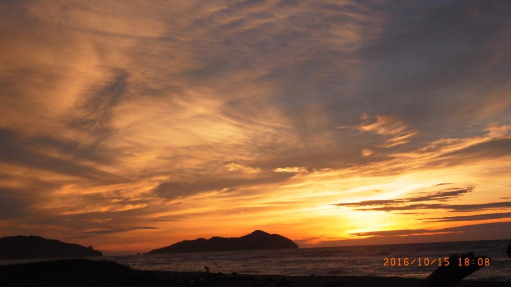 海灘的夕陽